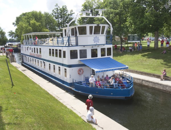 Kawartha Lakes Cruise going through locks of Trent Severn Waterway