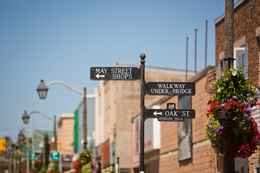 Fenelon Falls street signs