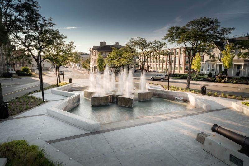 Queen's Square Fountain